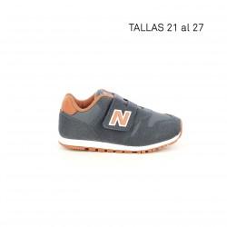 Zapatillas deporte New Balance azul marino con detalles en naranja