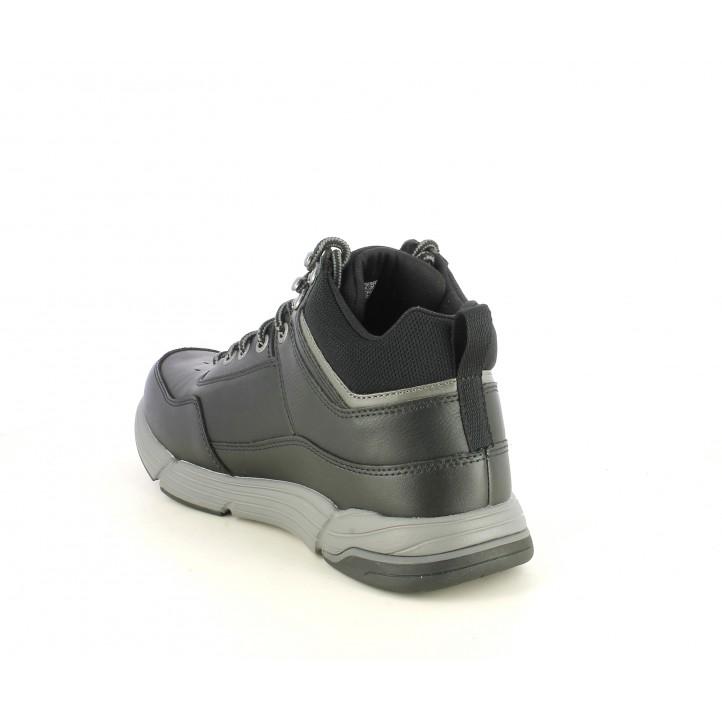 Botins Skechers negres amb cordons i plantilles memory foam - Querol online