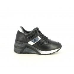 Zapatillas deportivas Cetti negros con cordones elásticos y detalles plateados - Querol online
