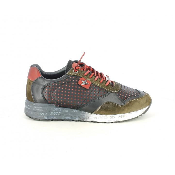 Zapatillas deportivas Cetti negras con cordones rojos y serraje en kaki - Querol online