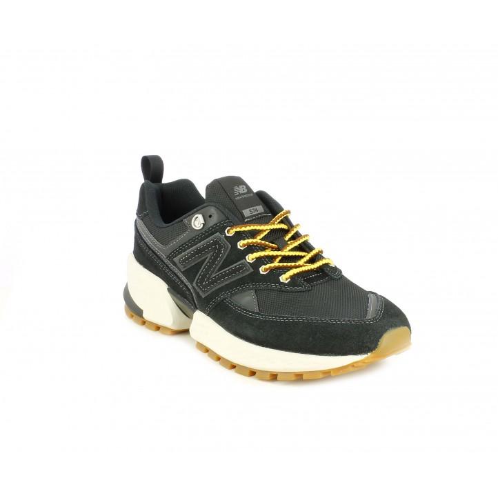 Sabatilles esportives New Balance 574 negres amb cordons grocs - Querol online