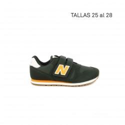 Zapatillas deporte New Balance gris con detalles en naranja