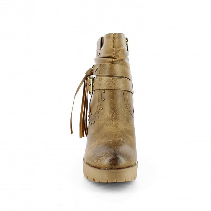 Botins Refresh marrons amb tires i tatxes decoratives - Querol online