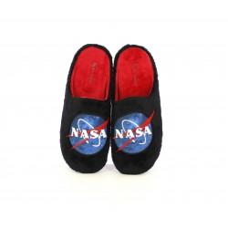 Zapatillas casa Garzon negras y rojas de la NASA - Querol online