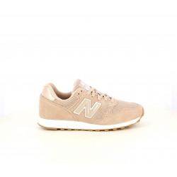 Zapatillas deportivas New Balance 373 rosas y blancas