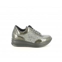 Zapatillas deportivas POP CORN grises con brillantes y detalles en charol - Querol online