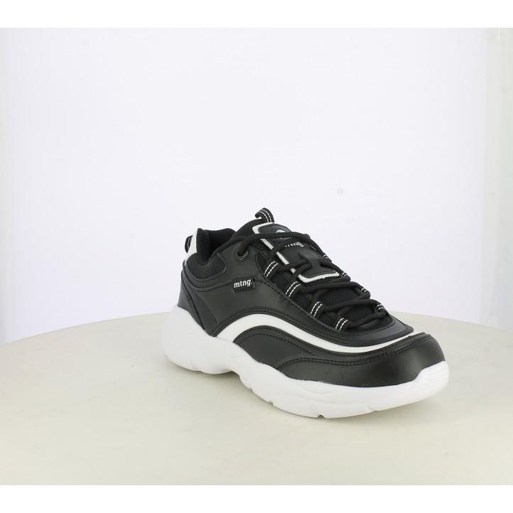 Zapatillas deportivas Mustang negras de plataforma con detalles en blanco - Querol online