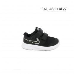 Zapatillas deporte Nike negras con adornos blancos star runner