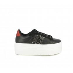 Zapatillas deportivas Victoria negras con detalles en estampado de serpiente y talonera metalizada - Querol online