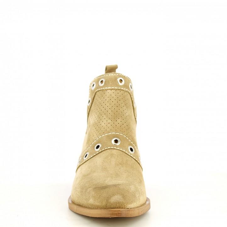 Botines tacón Redlove serraje beig con aberturas laterales y detalles metalicos - Querol online