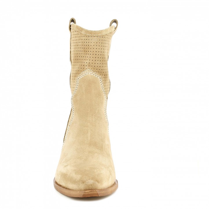 Botines tacón Redlove serraje beige con detalles calados en la caña - Querol online