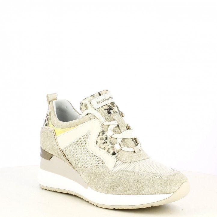 Zapatillas deportivas Nero Giardini beig combinado con deferentes texturas con cordones y cuña - Querol online