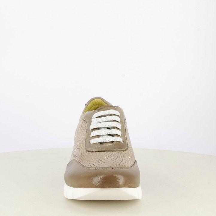 Zapatos planos Suite009 marrón en tonos brillantes con cordones en tonos plateados - Querol online