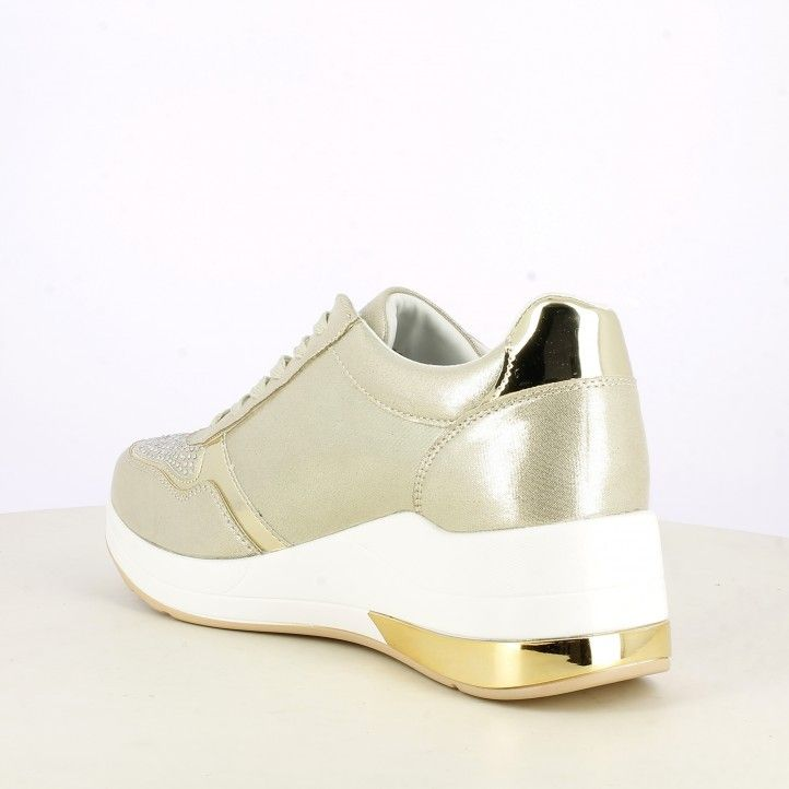 Zapatillas deportivas Owel doradas con cordones y detalles con pedrería - Querol online