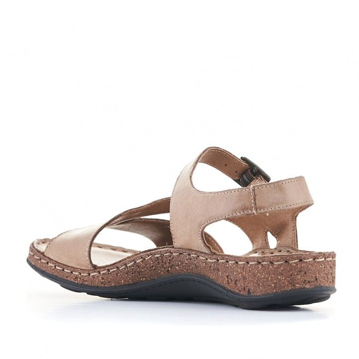 Sandalias planas Walk & Fly marrones con varias tiras y suela marrón - Querol online