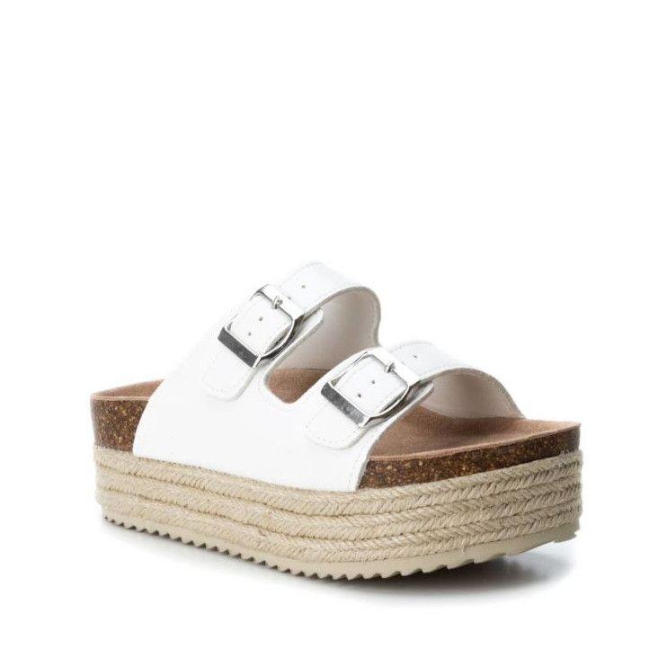Sandalias plataformas Owel blancas con suela estilo esparto, puntera redonda y acabados en espejo - Querol online