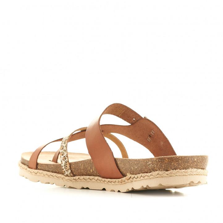 Sandàlies planes Yokono marrons amb detall estampat - Querol online