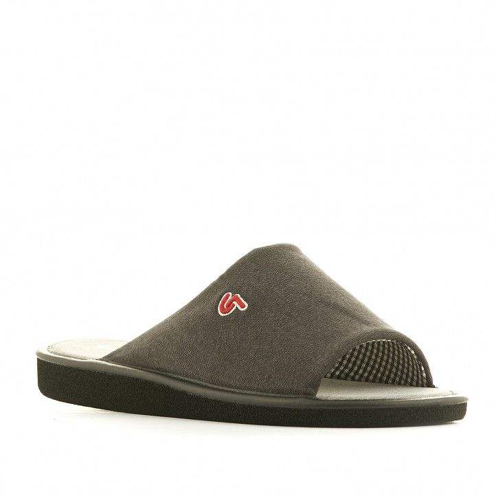 Zapatillas casa Garzon grises con logo en rojo - Querol online
