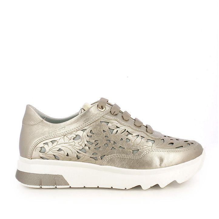 Zapatillas STONEFLY metalizadas con suela dentada por delante y detalles de agujeros - Querol online