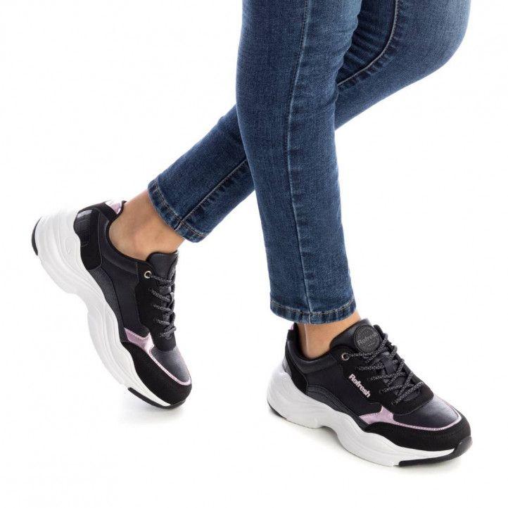 Zapatillas deportivas Xti negras con diferentes texturas - Querol online
