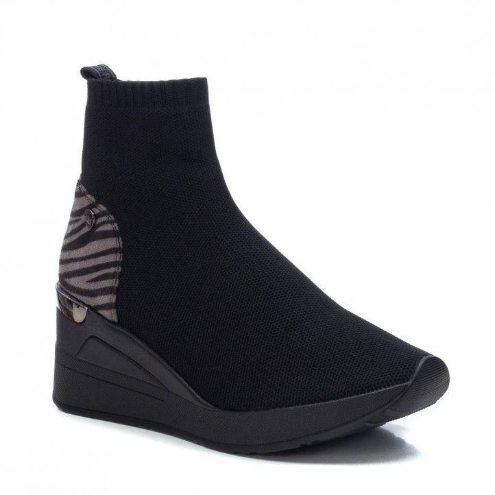Zapatillas deportivas Xti negras con cuña y detalle animal print - Querol online