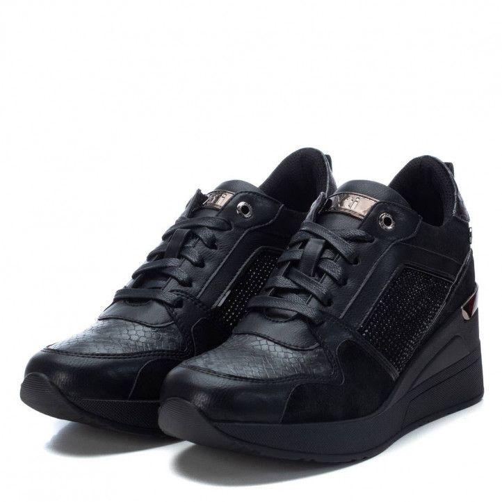 Zapatillas deportivas Xti negras de cuña con diferentes texturas - Querol online