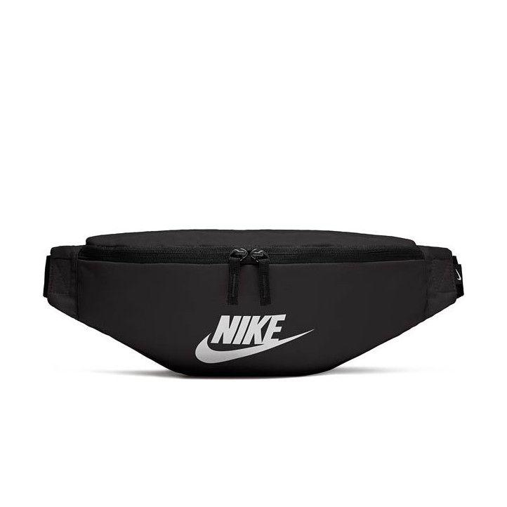 Riñonera Nike negra heritage con logo blanco central - Querol online