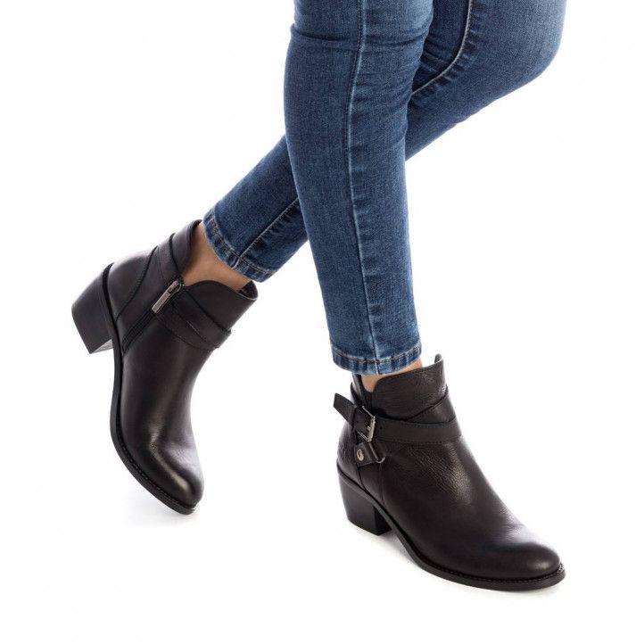 Botines tacón Carmela de piel negras con tira alrededor del tobillo y hebilla - Querol online