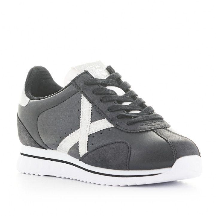 Zapatillas deportivas Munich sapporo sky 17 negras con detalles blancos - Querol online